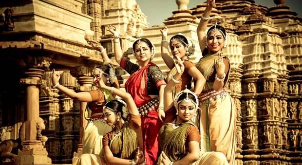 Измены, третий пол и поющие трусы: сексуальные развлечения древних индийцев