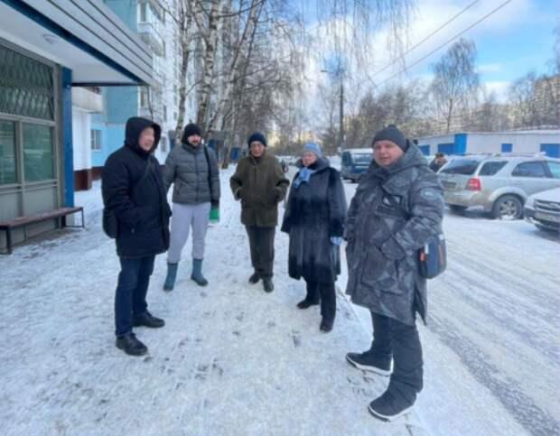 Заместитель главы управы района Лианозово дал поручения по итогам обхода