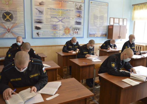 Центр боевого применения и переучивания летного состава морской авиации ВМФ в Ейске завершил обучение очередной группы специалистов для морской авиации ВМФ России