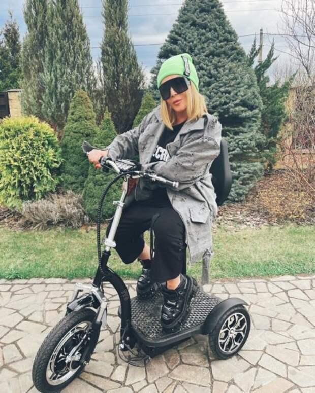 Перекроила себя полностью: Ирина Билык и ее лицо крупным планом в 51 год