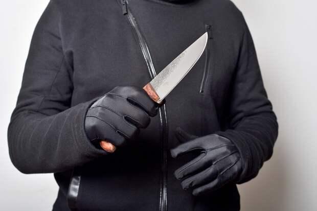В Китае неизвестный с ножом напал на детский сад