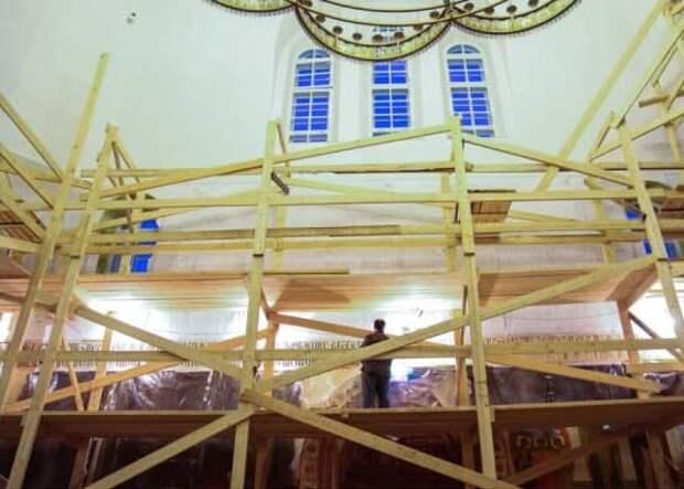 В храме на улице Берзарина началась реставрация