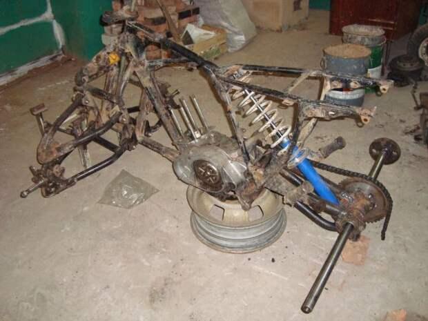 Квадроцикл из всякого хлама