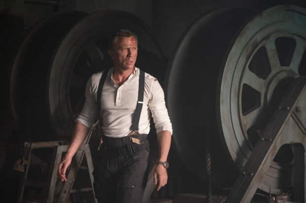 Релиз нового фильма о Джеймсе Бонде перенесен на ноябрь