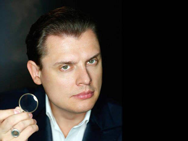 Публицист Понасенков пришел на передачу к Урганту и назвал себя «достойнейшим»