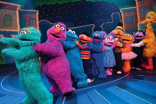 В детском телешоу «Улица Сезам» появится однополая семья