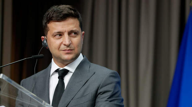 Зеленский заявил, что обсудил с Макроном и Меркель ситуацию в Донбассе