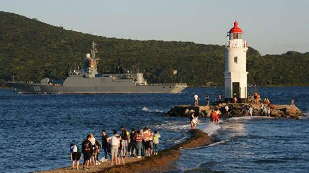 Военные корабли РФ снабдят участками для голосования по Конституции