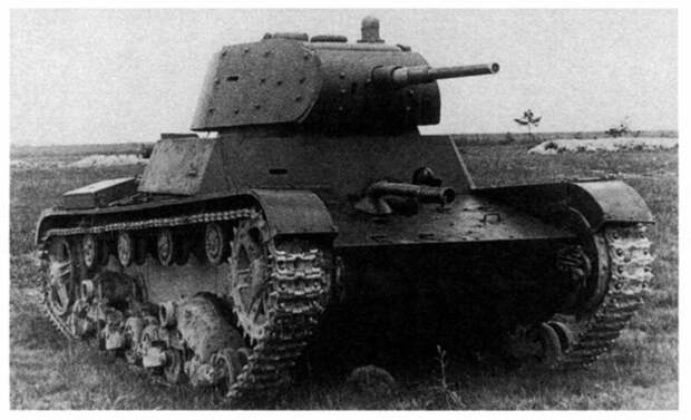 На фото – ХТ-134 во время испытаний на НИБТ полигоне в Кубинке, 1940 год. Экраны с корпуса сняты. военная техника, военное, история, много букв, танки, танки СССР, техника, факты