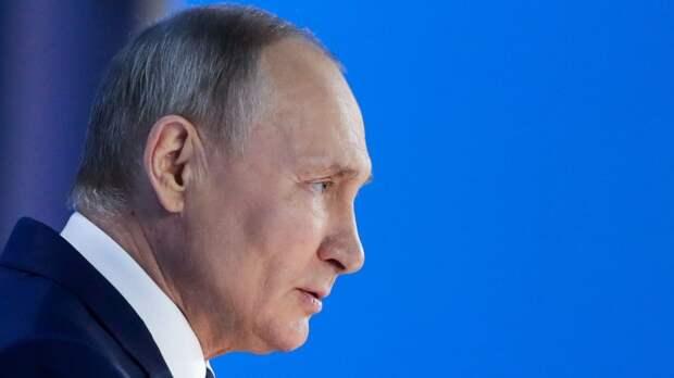 «Путин — сезонный шпион». Что президент рассказал в своем послании и чего ждать на саммите по климату?