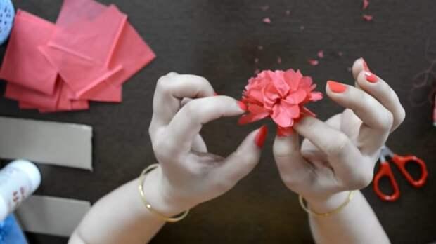 Красивый и стильный декор к любому празднику из картона, бумаги и клея ПВА