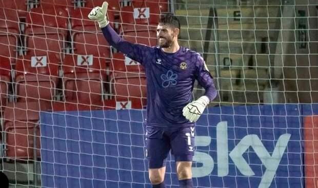 В Англии вратарь забил гол ударом от своих ворот: видео