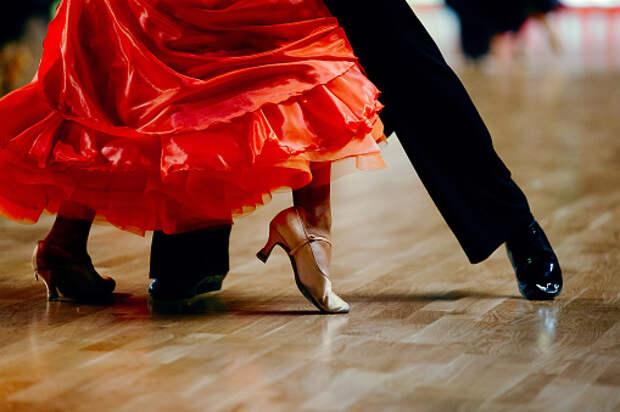 Бальные танцы в режиме «онлайн» пользуются популярностью у пенсионеров из Южного Медведкова