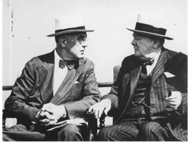 «Хартия» Байдена-Джонсона ставит Москву и Пекин на одну доску с Гитлером