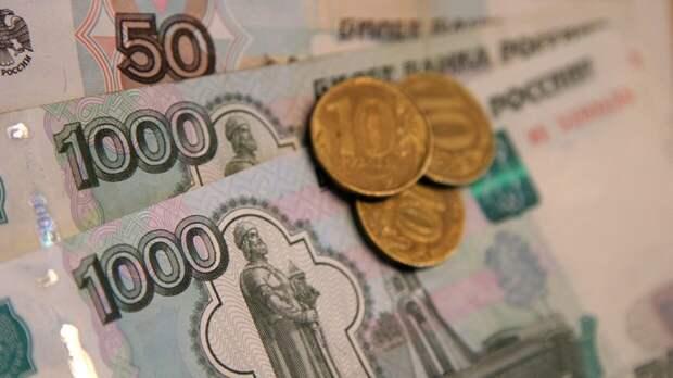 Минтруд скорректирует зарплаты российским медикам