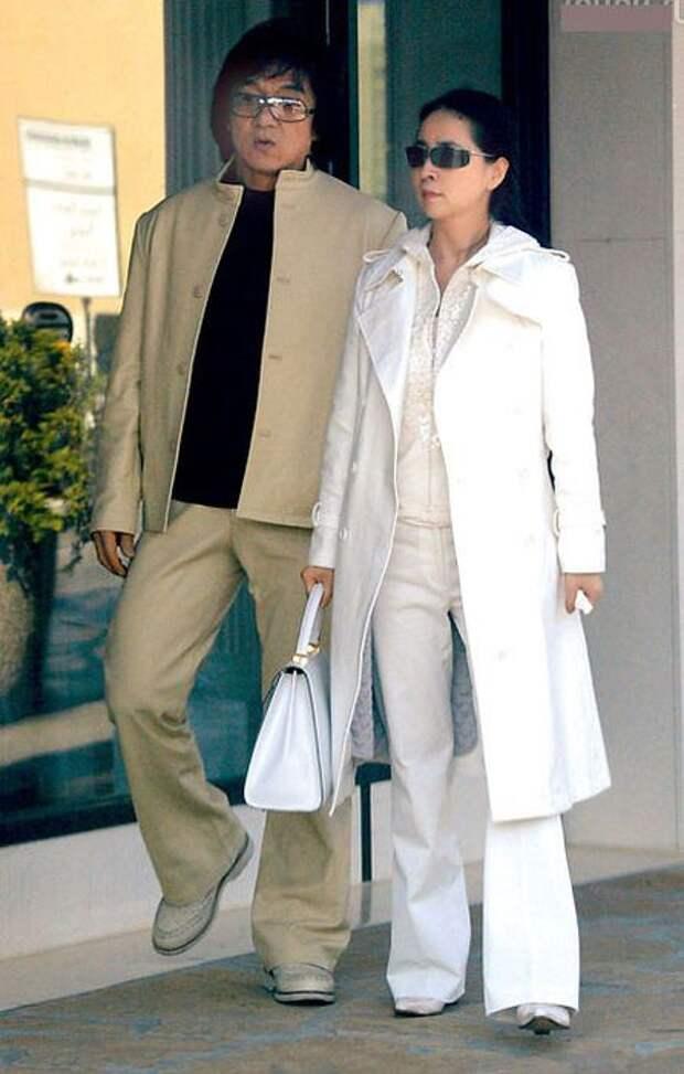 Джеки Чан и Джоан Линь. / Фото: www.wbelle.ru