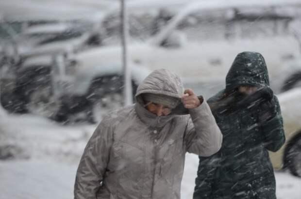 Снежный циклон нарушил авиасообщение на Чукотке