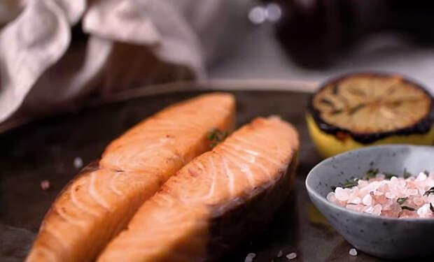 Рыба больше не пригорит к сковородке: жарим на бумаге