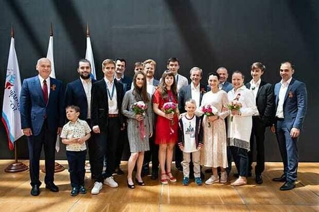 ВМедиацентре «Сириуса» наградили юниоров итренеров сборной России