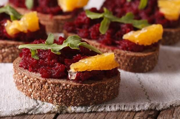 вкусные бутерброды на новый год с красной рыбой