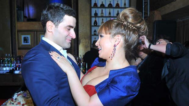 Экс-муж Анфисы Чеховой объявил о рождении сына