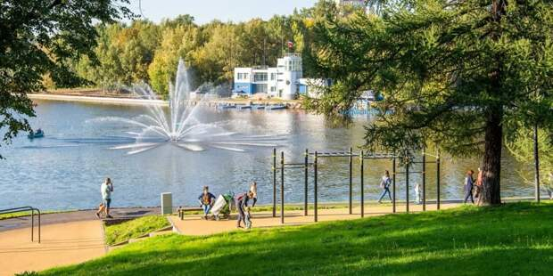 Около 80% москвичей жалуются на проблемы со здоровьем во время жары. Фото: Д. Гришкин mos.ru