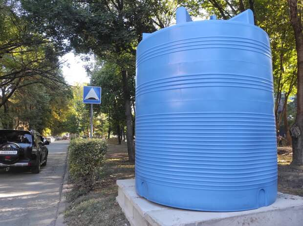 Баки с водой у жилых домов Симферополя появятся к пятнице