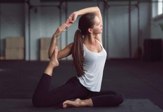 В мышцах и сухожилиях спортсменок больше эластичного белка, который позволяет хорошо тянуться / Фото: genesishealthclubs.com