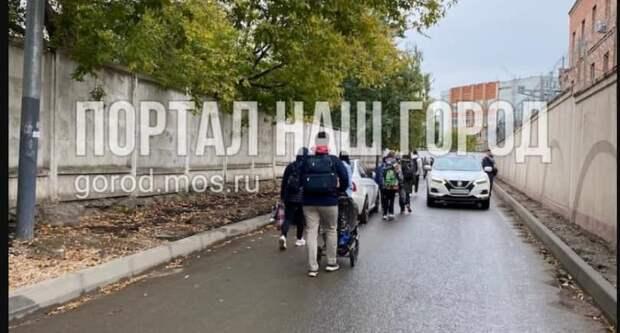 Ремонт асфальта у станции метро «Планерная» завершится до конца сентября
