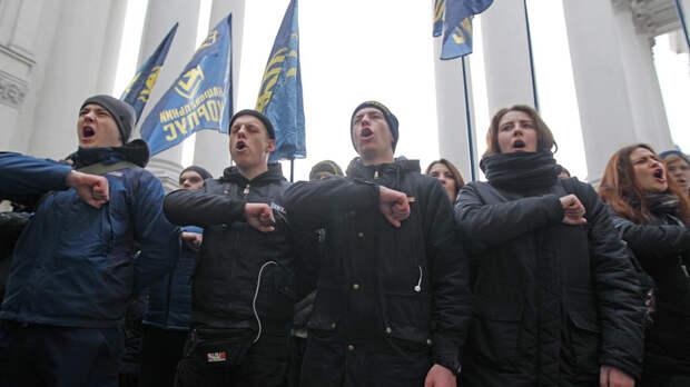 Мне кажется, что это кошмарный сон: Резидент Comedy Club с Украины пришёл в ужас от толп нацистов в Киеве