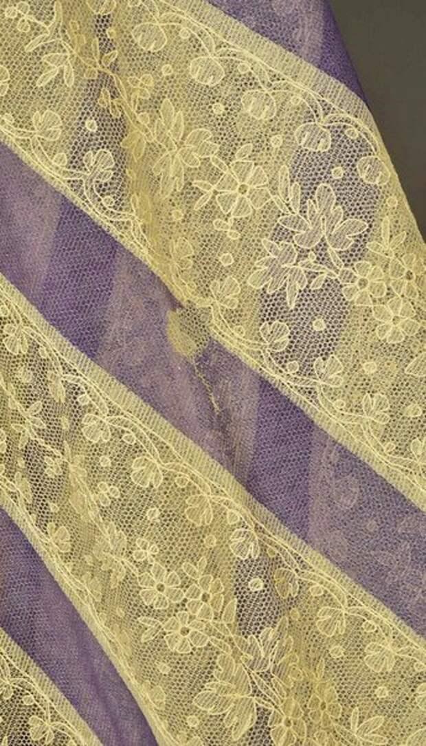 Антикварная кружевная шаль