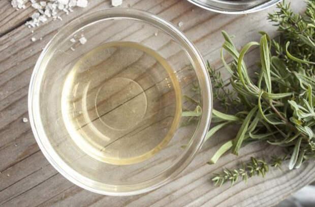 Уксус на кухне: готовим, заправляем салат и делаем соусы