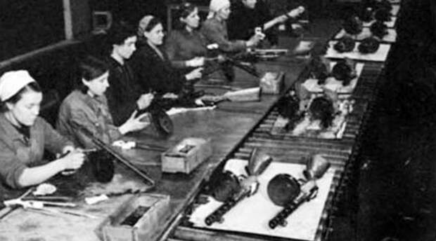 «Завоевал популярность благодаря надёжности»: 80 лет назад на вооружение Красной армии был принят ППШ-41