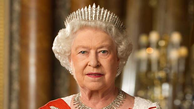 """Елизавета II позвала """"неудобных"""" родственников принца Филиппа на его похороны"""
