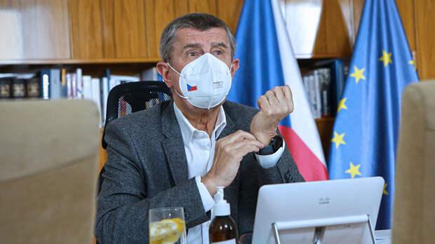 Премьер-министр Чехии заявил, что Прага не хочет эскалации скандала с Москвой