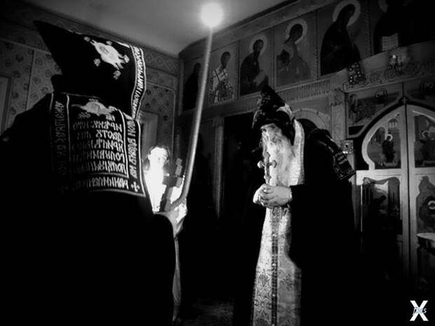 Ритуал Псалмокатары проводят священни...