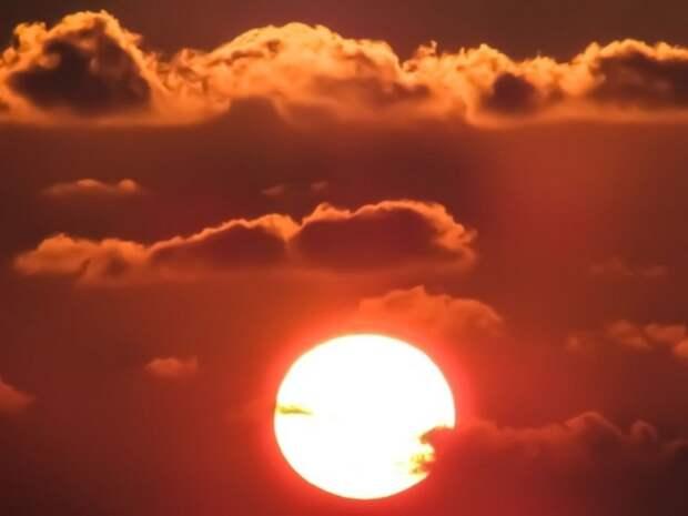 В Москве продолжает действовать «оранжевый» уровень опасности из-за жары