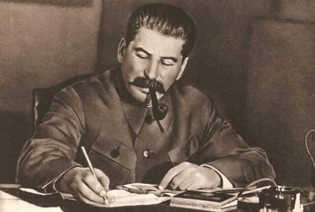 Joseph_Stalin_1949-663x448