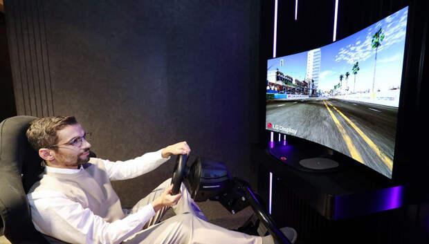 LG представила гибкий «звуковой» 48-дюймовый экран OLED