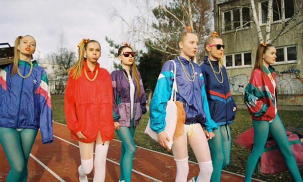 Какая одежда из 1990-х снова на пике моды: Время варенок и велосипедок (и не только) пришло