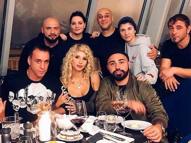 Лобода в очередной раз подогрела слухи о том, что солист «Rammstein» является отцом ее дочери
