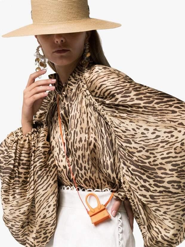 Откровенный тренд: в моду вошли топы-шторки