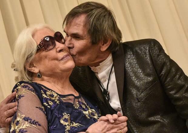 Бари Алибасов попросил Лидию Федосееву-Шукшину не препятствовать их разводу