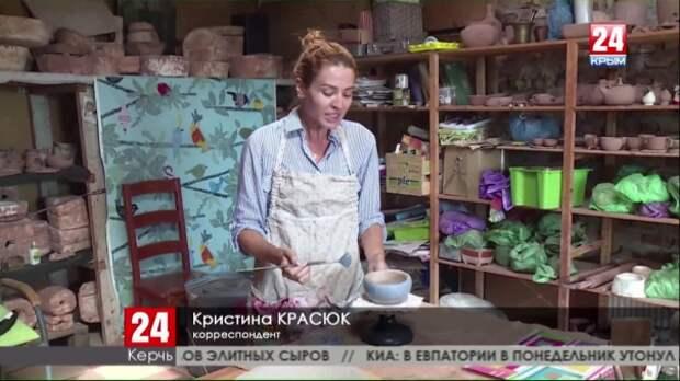 Керчане создают тысячи уникальных предметов из крымской глины
