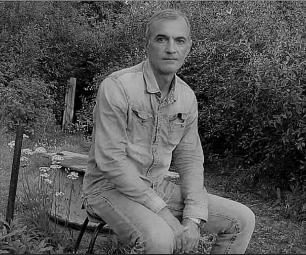 Невосполнимая утрата: от рук «заботливого» родителя погиб известный в Караганде активист