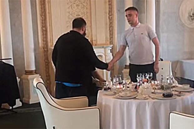 Кадыров заставил чеченского блогера извиниться перед избитым им москвичом