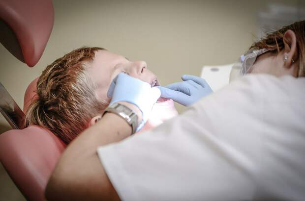 Стоматолог назвал худшие ошибки при чистке зубов