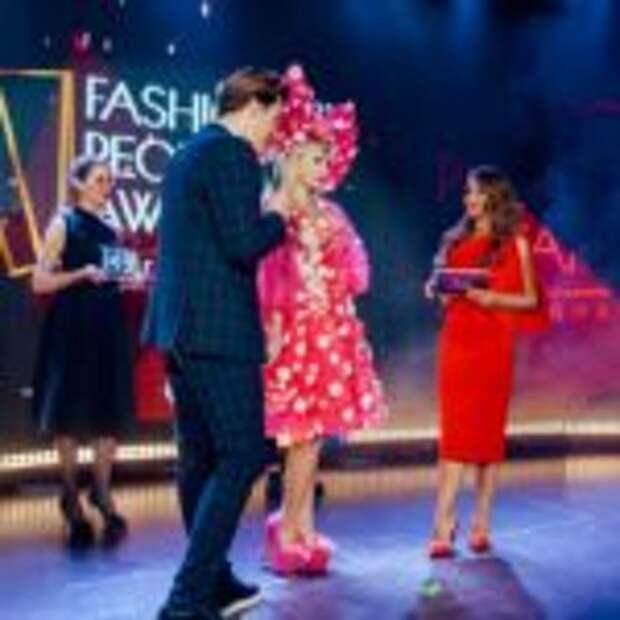 Русской Барби Тане Тузовой вручена престижная премия Fashion People Awards 2021