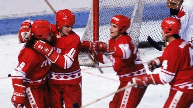 Легендарный гол Ларионова вфинале Кубка Канады. 39 лет назад сего шайбы начался разгром «Кленовых листьев»