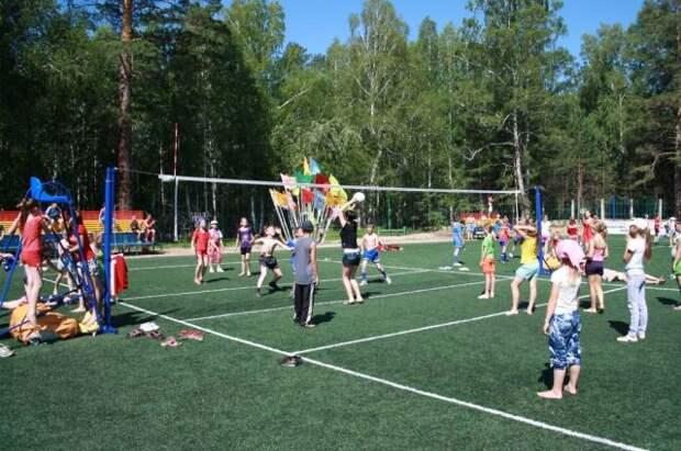 Минпросвещения сообщило, что детские лагеря готовы к работе летом